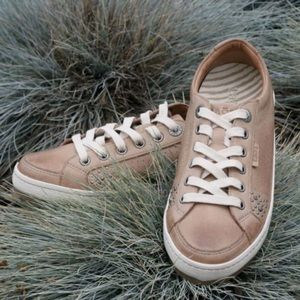 Taos Freedom Leather Sneaker in Blush